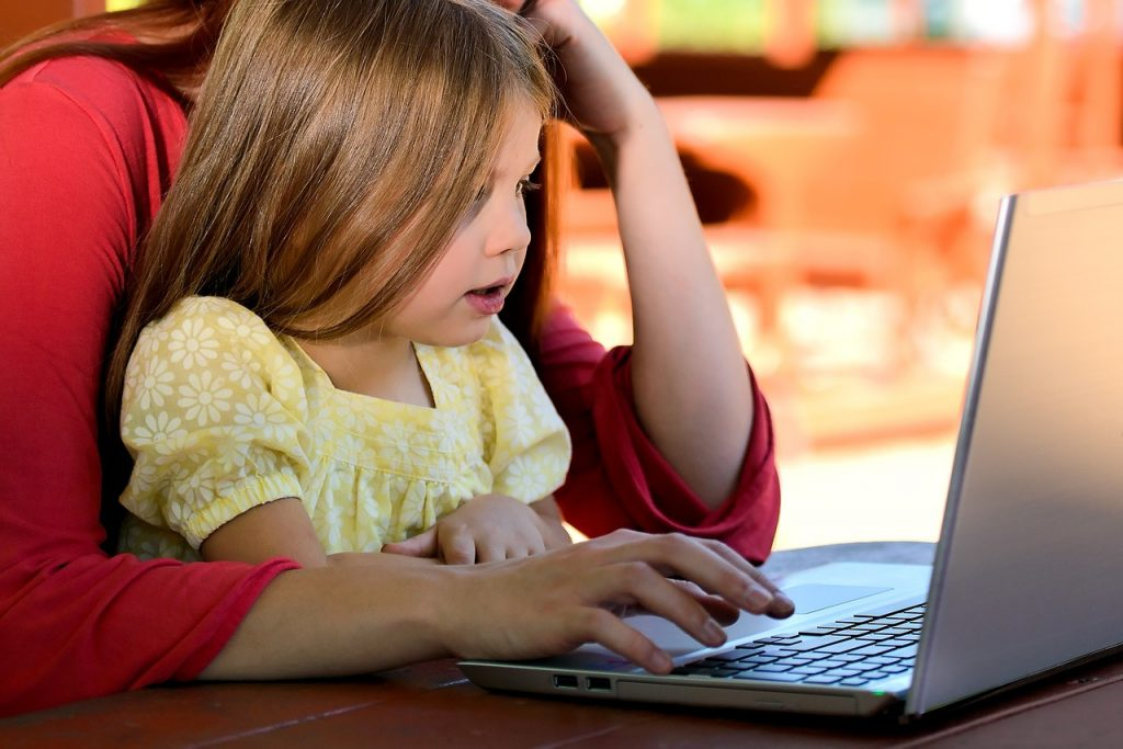 girl-on-computer digital citizenship
